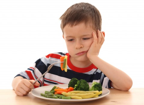 seven tips to get picky eaters to eat healthy foods