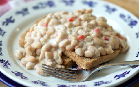 Breakfast Beans Over Toast