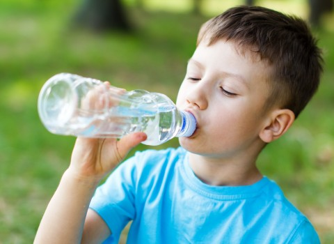 kid drink more water